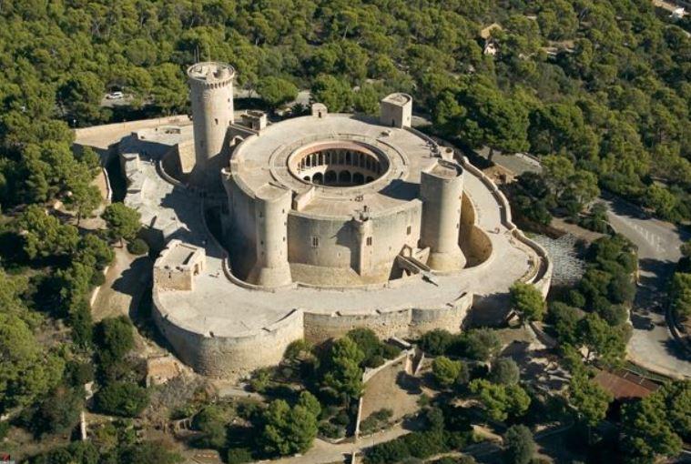 castillo del bellver de mallorca